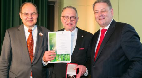 Alt-Bauernverbandspräsident Sonnleitner erhielt Goldenes Ehrenzeichen der Republik