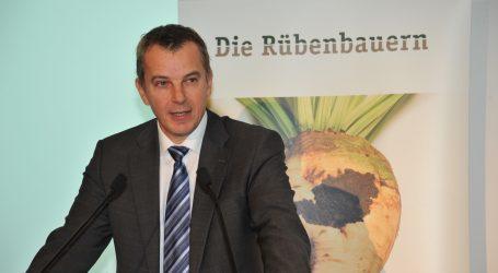 """Karpfinger zornig: """"NGOs haben Macht übernommen"""""""