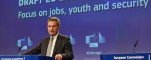 """Oettinger kündigt """"maßvolle Kürzungen"""" an"""