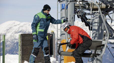 Maschinenring sucht Schneeräumer und Liftwarte