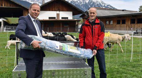 """Land Tirol verleiht """"Notfall-Kits"""" zum Herdenschutz"""