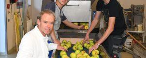 Warther Schüler erproben sich als Fruchtsafthersteller