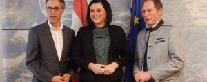 Spitzenpolitiker rühmen Agrarprogramm