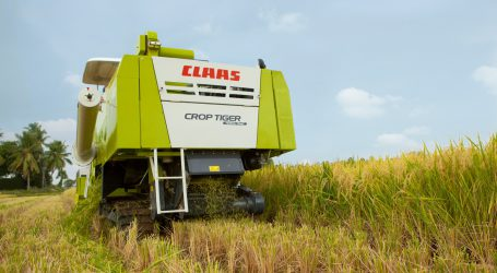 Claas-India lieferte 10.000sten Tiger aus