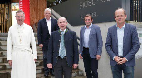 Land OÖ und Schlägler Stift verlängern ihre Partnerschaft