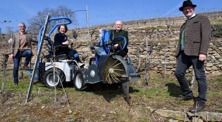 Spezialgefährt für Steillagenweinbau