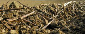 Bodenmischprofi mischt in Schichten